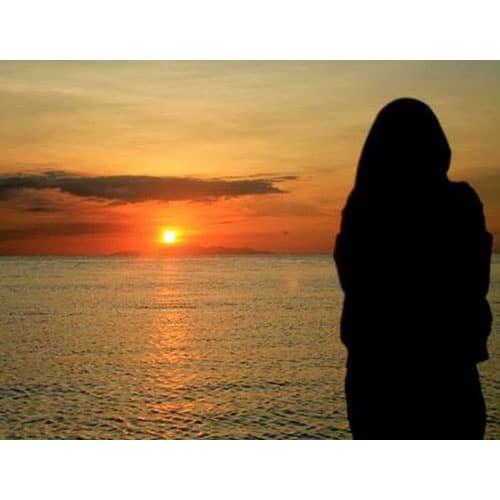 عکس دختر چادری کنار دریا